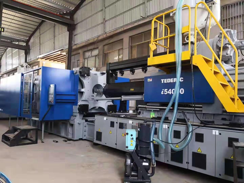 2019年9月26日,腾远总部新进管件设备陆续到厂并调试完毕。